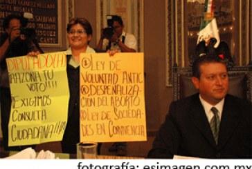 RIP a Estado laico en Puebla; ni aborto ni muerte asistida