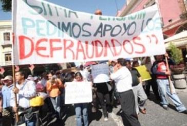 Los defraudados de SITMA se desesperan; sitian Congreso