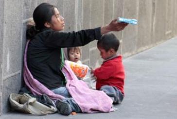 Crecen los pobres en México: Coneval