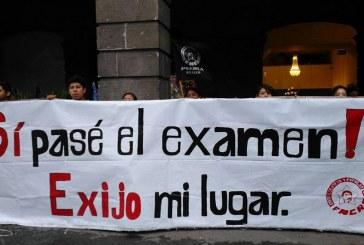 Esparza se doblegó ante estudiantes; vuelven al Zócalo