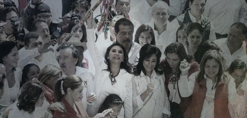 Blanca Alcalá rodeada de seguidores