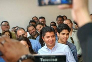 Tribunal admite recursos de revisión contra amparo de Eduardo Rivera