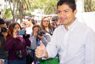 PSI y Compromiso por Puebla dejan solo a Eduardo Rivera