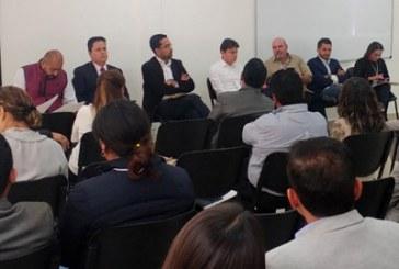 Nueva Constitución para Puebla, plantean abogados a Barbosa