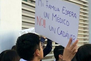 Universitarios claman seguridad y justicia