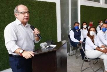 Mexicanos votarán por la democracia o la dictadura, dice Calderón