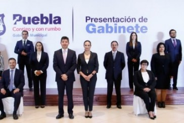 Rivera Pérez presenta primeros secretarios